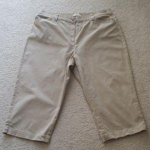 LL Bean Classic Fit Straight Leg Cropped Pants